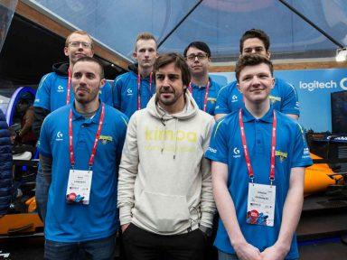 """Logitech – Zweifacher Formel 1-Weltmeister Fernando Alonso begrüßt  Fernando """"Perpi"""" Perpiñán in seinem eRacing-Team mit  Logitech G und G2 eSports"""